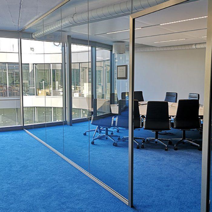 sitzungszimmer-zu-vermieten-bueros-halten-business-center